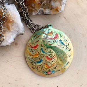 VINTAGE Hand painted Mother Of Pearl Necklace